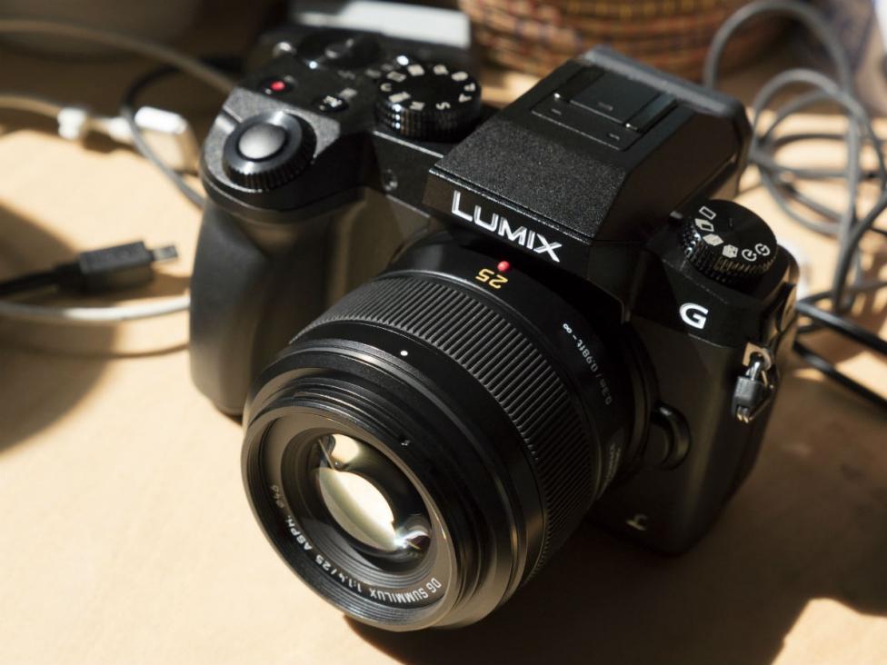 Panasonic LUMIX G7 Desk