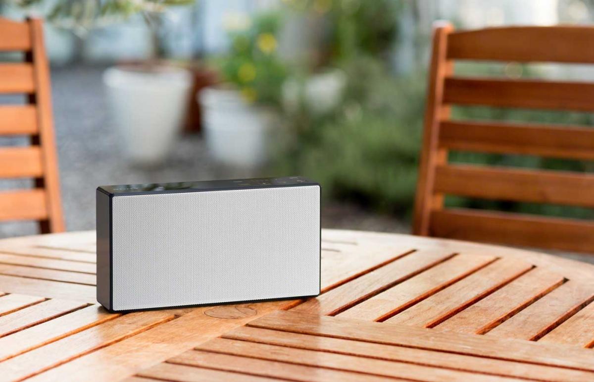 Sony-SRS-X55_lifestyle