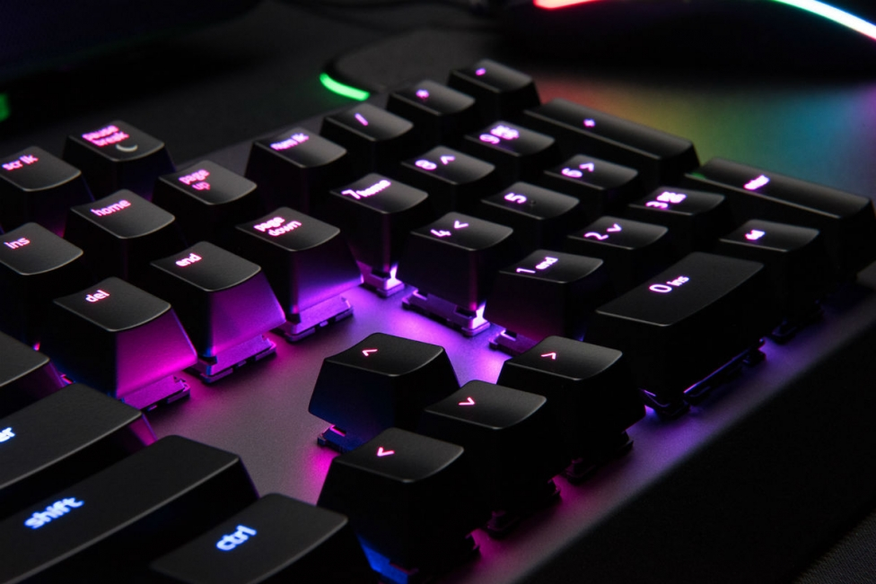 razer-blackwidow-x-chroma-closeup
