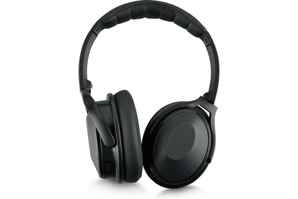 Test  Andersson CDH 3.2 - Trådlösa hörlurar med brusreducering till ... fafa3a22a41c2