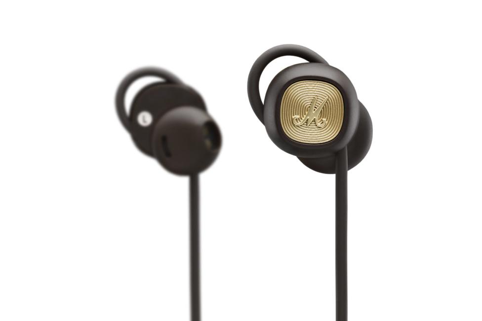 Marshalls typiskt kromade design och höga kvalitet på materialet sticker  verkligen ut bland andra enfärgade och trista in ear-lurar. d4d303668313d